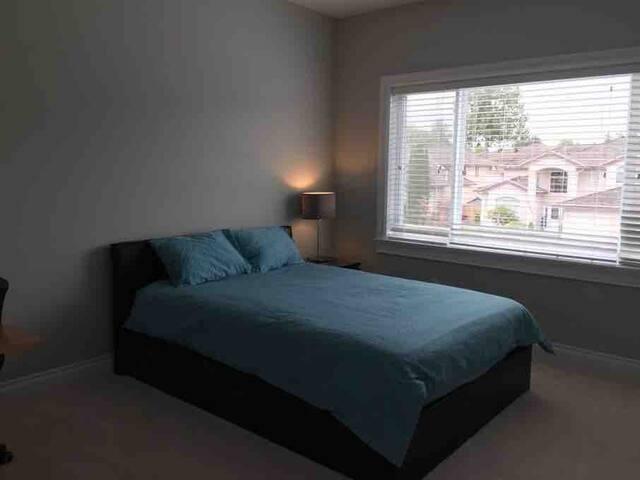 二楼卧室2(A房间)