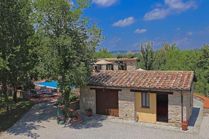 Restaurierte rustikale Villa in Perticara Emilia-Romagna