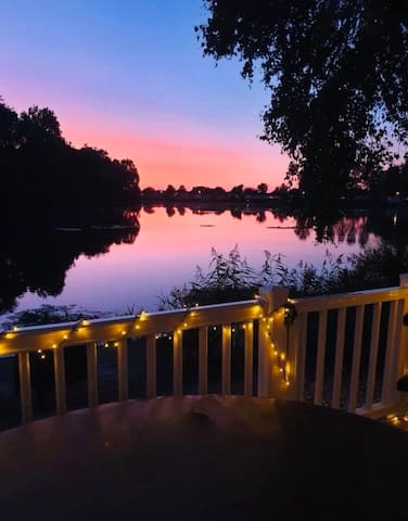 Sunset luxury fishing lake retreat