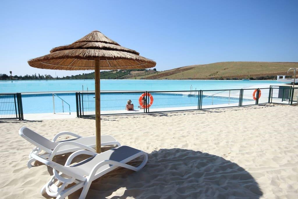 Lagoon beach beds