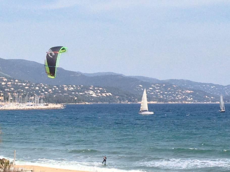 Pour les amateurs de Kite Surf et ceux qui préfèrent regarder sans avoir à se déplacer