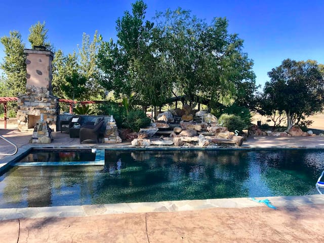 3 Acre Ranch at Spanish Hills Estates w/pool