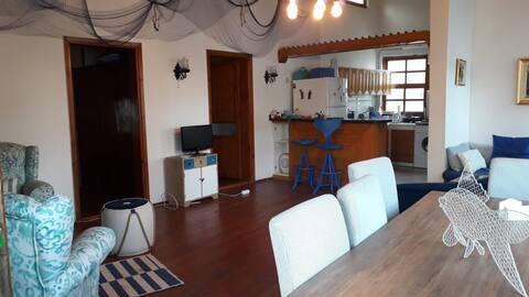 ストーンハウス1.. 2部屋/リビングルーム85平米