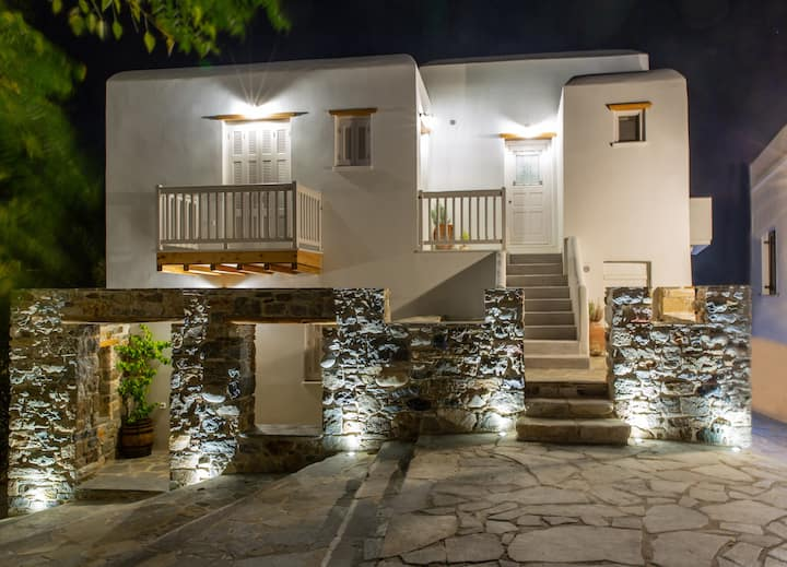 Apartment with balcony in Naxos Town