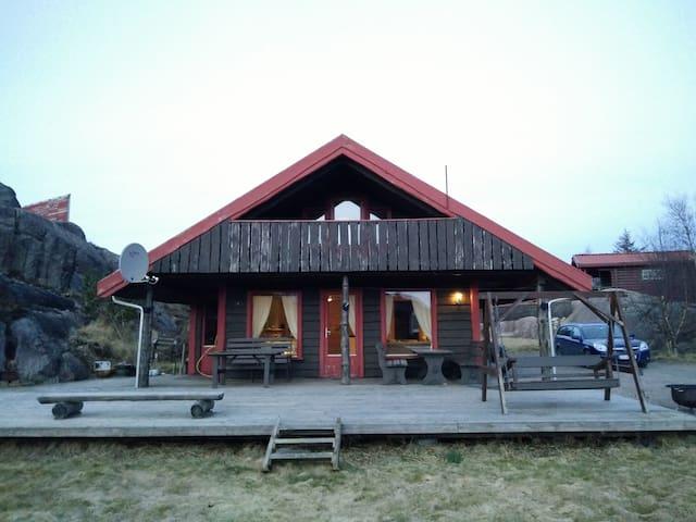 Flott hytte i Bogsdalen - Sirevåg - House