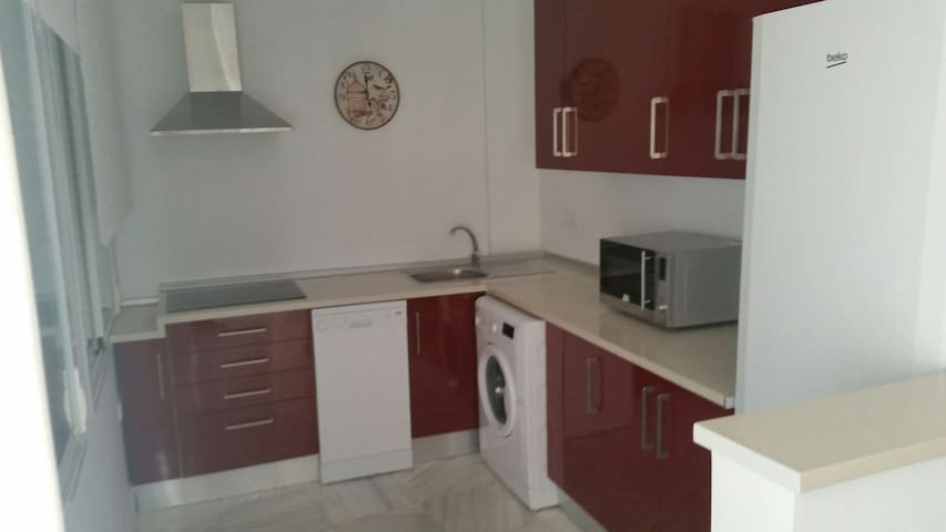Piso exclusivo de 3 dormitorios - La Algaba - Appartement