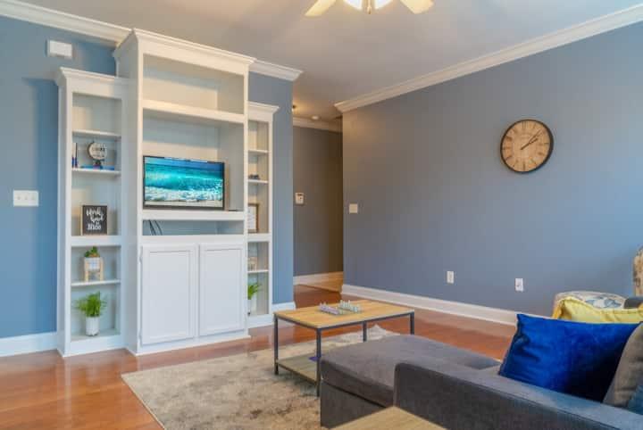 Cozy Luxurious Condominium
