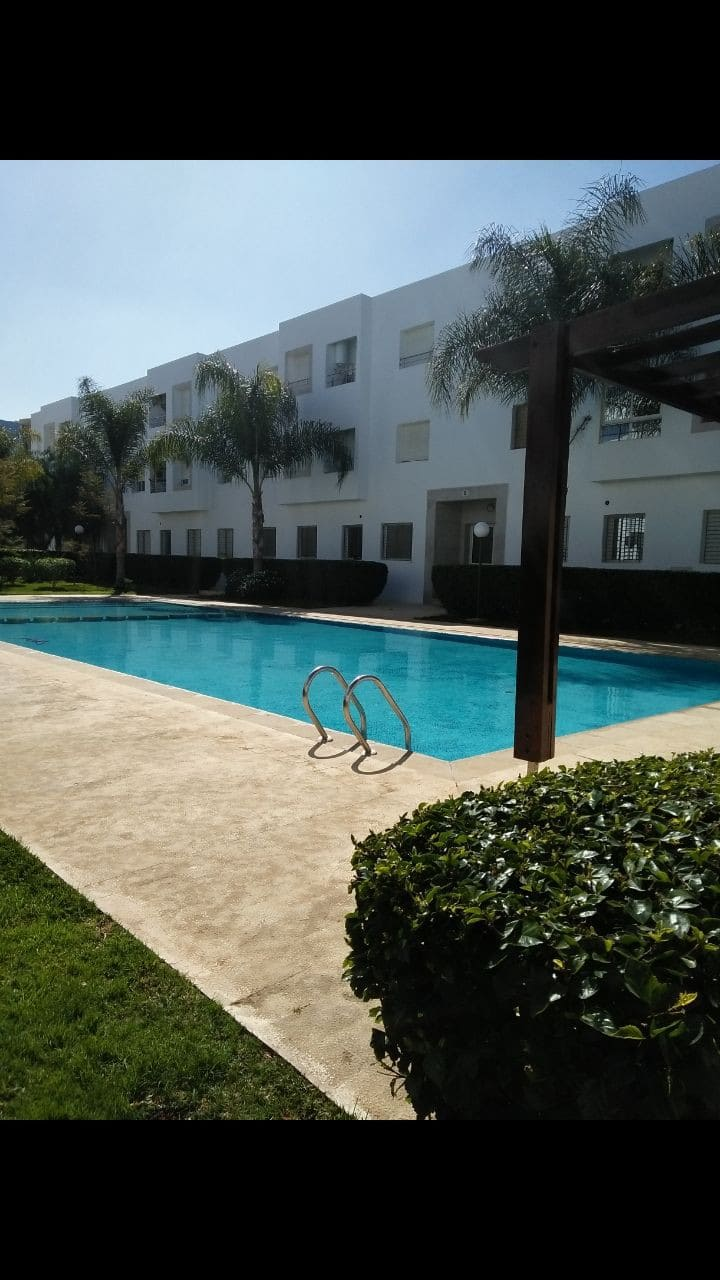 Sweet appartment with pool near beach free parking