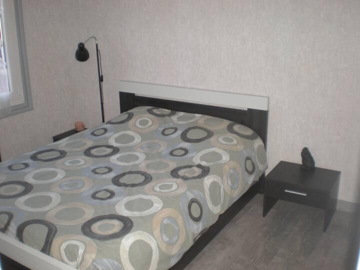 Accueillante chambre calme proche CNPE et FFE
