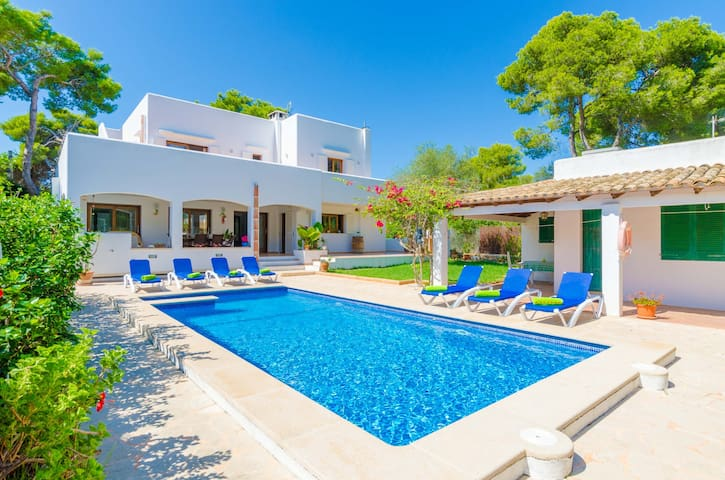 CA N'ESTEL - Villa with private pool in Cala d'Or. Free WiFi