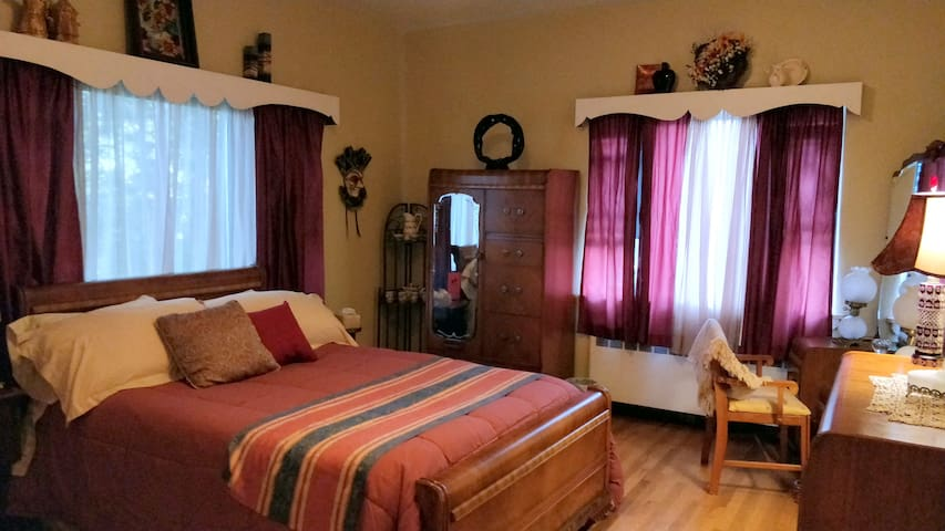 Maurrocks Bed & Breakfast - The Red Room