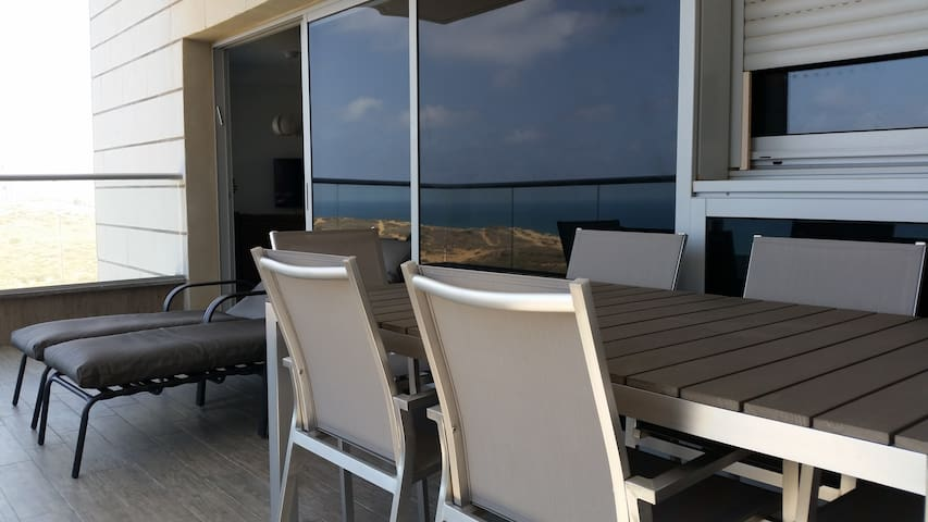 Seaview Holiday Apartment - Netanya - Flat