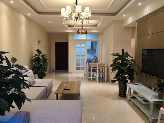美宇凤凰城温馨舒适二居室