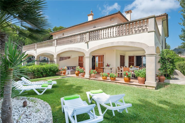 CHILLLIFE - Great seafront chalet with private garden and direct access to the beach. Free WiFi