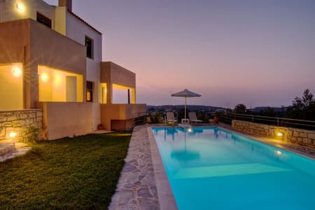 villa EMILIE - A wonderful place to stay. - Agios Dimitrios