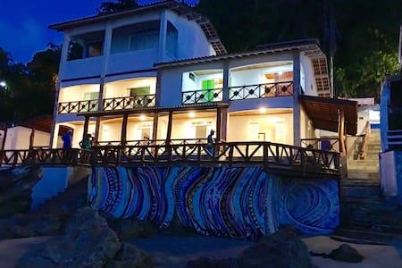 Pousada Tiki Primeira Praia - Cairu - Bed & Breakfast