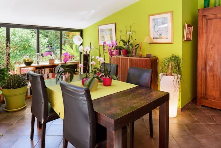 Grande Maison De Ville Avec Piscine Houses For Rent In Marseille Provence Alpes Cote D Azur France