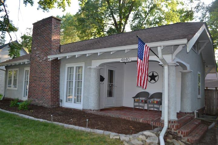 Butler Tarkington Home: 2 Blocks to Butler Campus!