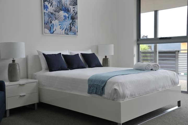 The Blue Room Studio (Room 5) The Hub Bicheno