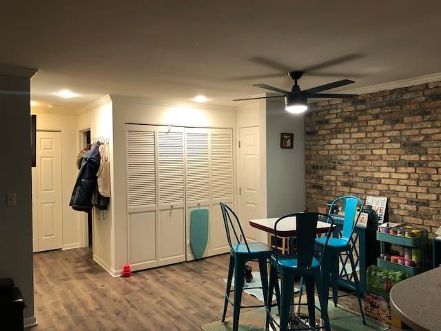Modern cozy 2 bedroom - Near Fiserv Forum & MSOE