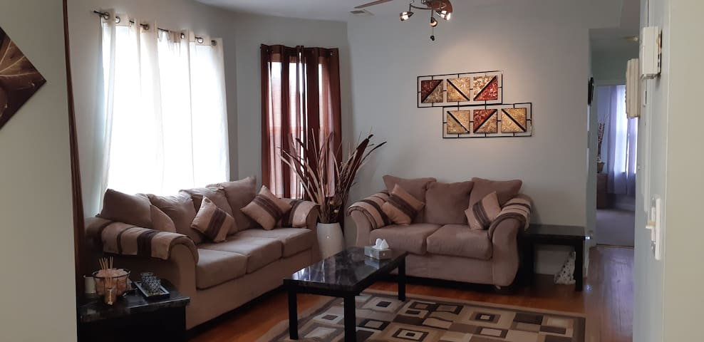 Comfy & Bright 2 bedroom 1 Bath private Condo