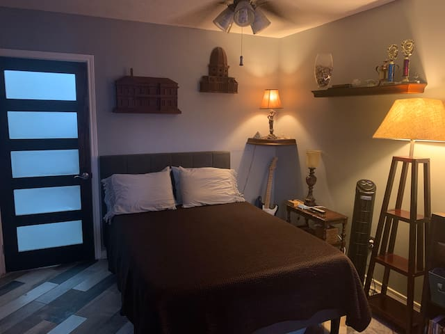 Home Away From Home guest room 3