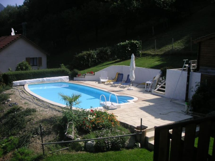 Studio calme avec terrasse et piscine houses for rent in for Piscine autoportante 1m20