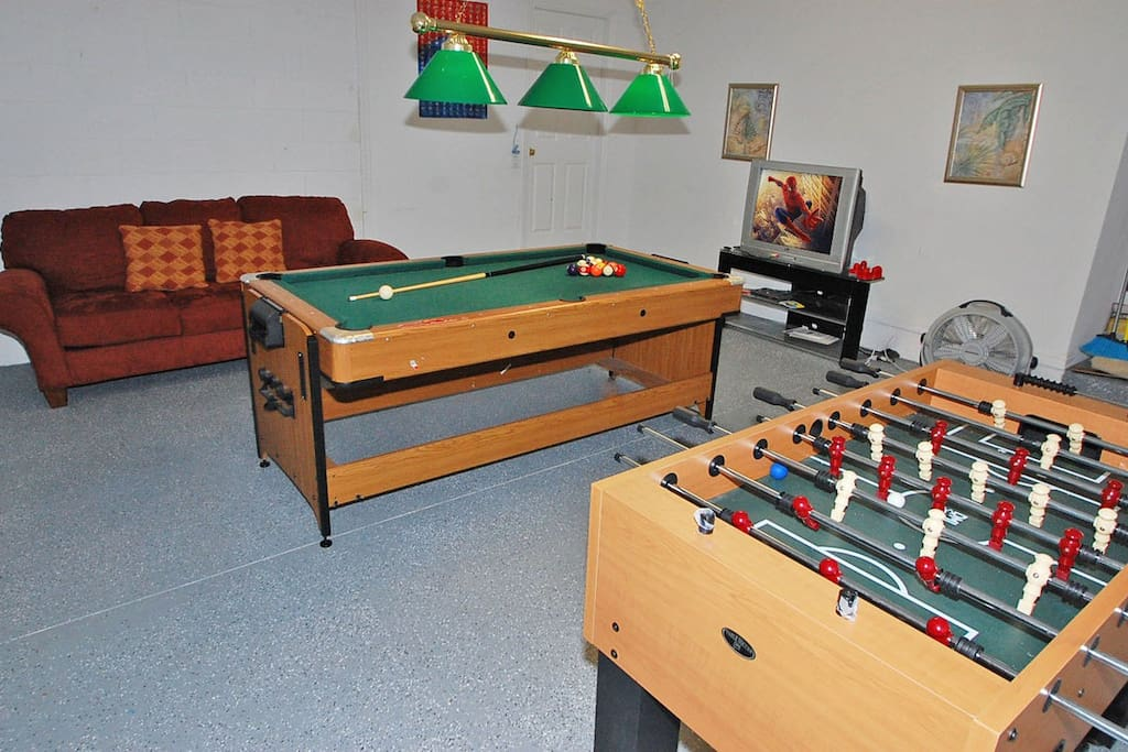 Games room with TV and gaming console
