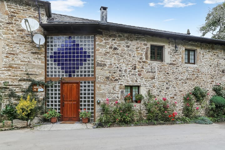 House with 4 bedrooms in Tineo, with wonderful mountain view, shared pool, enclosed garden - 30 km from the beach