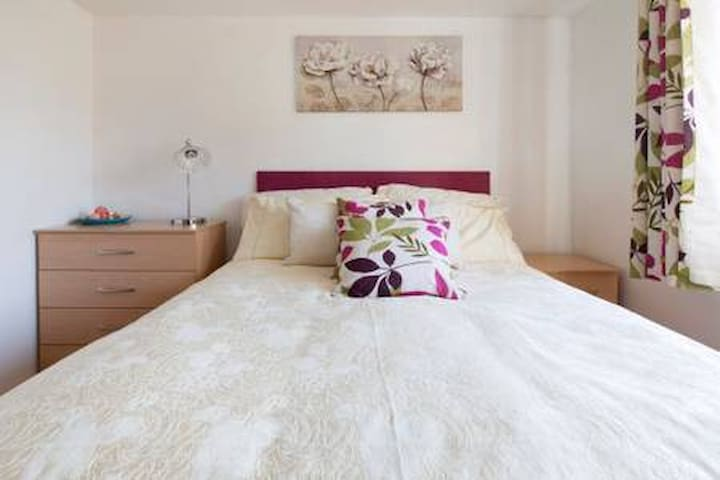 Bedroom 2 - in a beautiful 5 bedroom Guest house