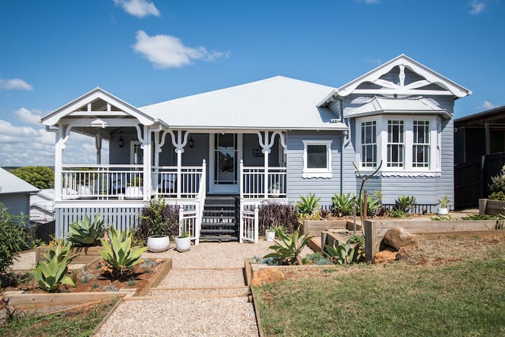 Beautiful Bangalow Queenslander