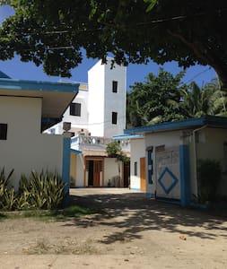 Cassandra's Beach Inn, San Isidro - Calatrava - Bed & Breakfast