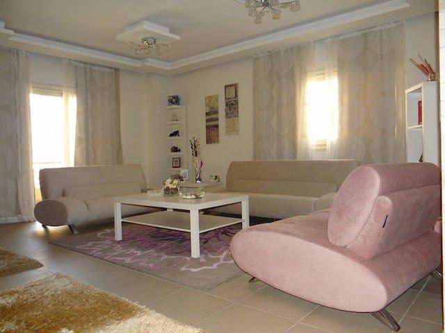 Nice Modern Apartment in Maadi
