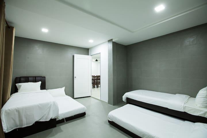 JACK GUEST HOUSE ROOM 2 - Kota Bharu - House
