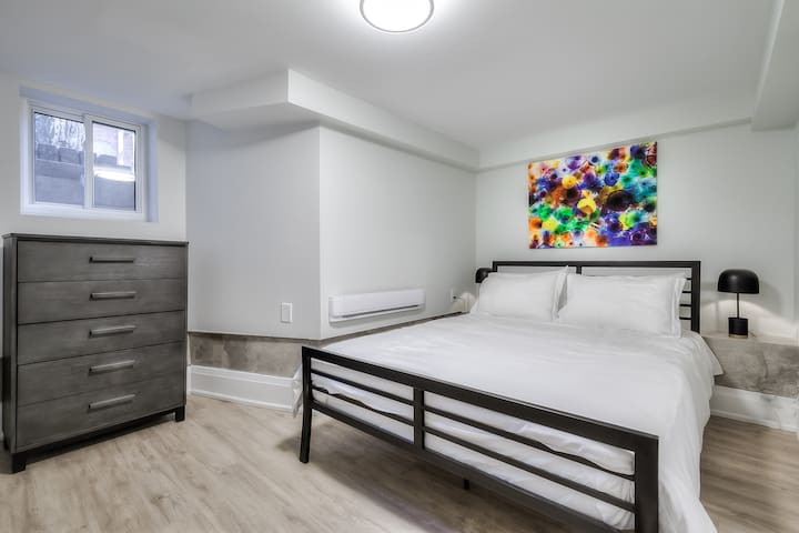 Front Bedroom with a Queen-sized bed