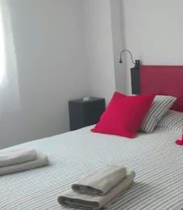 Linda habitacion ,con baño y confortable