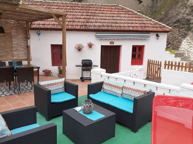 Casa La Algarroba, a 20 minutos de Granada