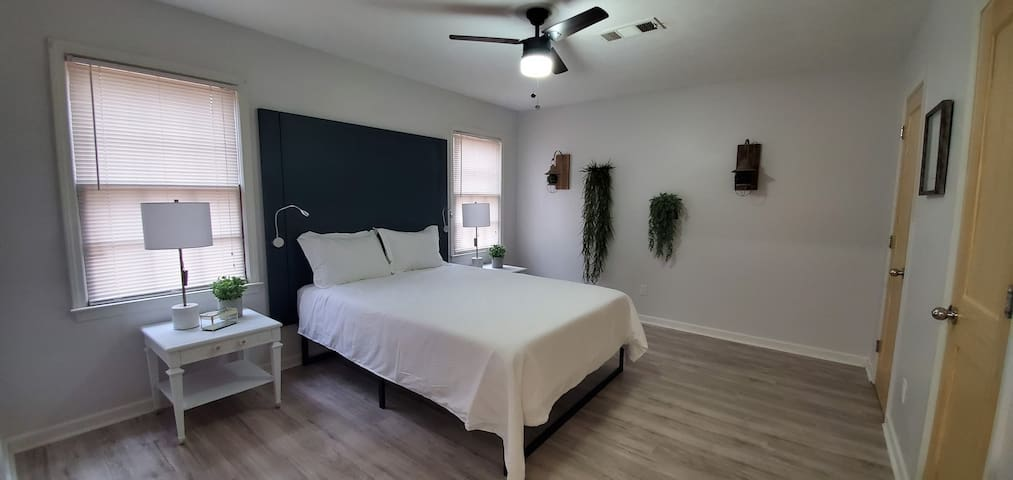 Behind every sweet dream is a good bed, and this master bedroom not only looks great, but it comes with a medium-firm memory foam mattress, so you can get the best rest during your stay. If your a reader like us, you'll enjoy the reading lights too.