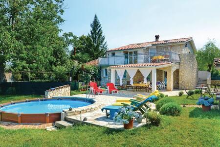 3 Bedrooms Cottage in Santalezi - Santalezi