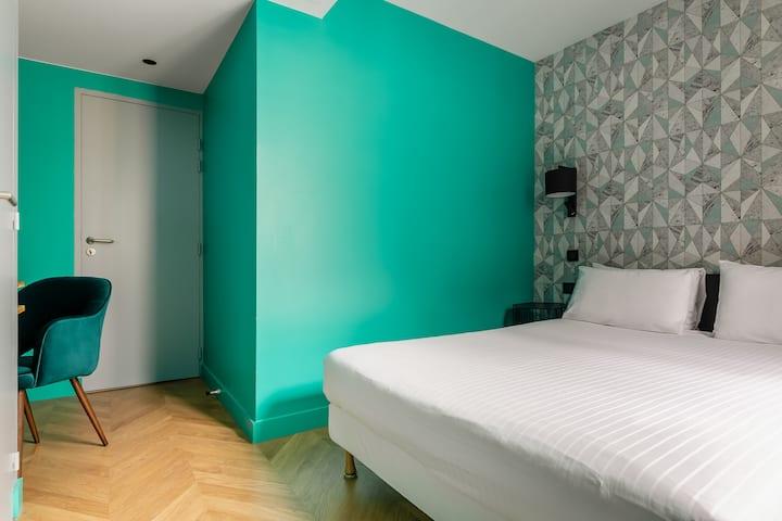 Long séjour-chambre double près des Champs Elysées
