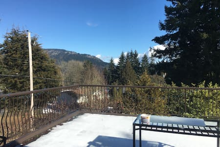 One Bedroom walking distance to Cowichan Bay - Cowichan Bay - Hus