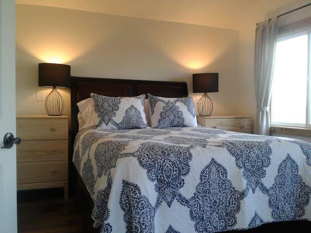Master bedroom with queen size heavenly bed