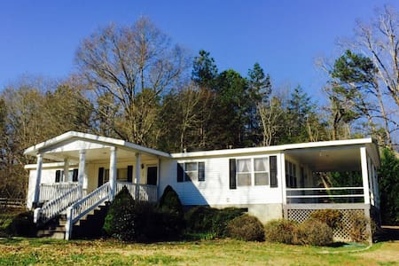 Quaint Guest house on horse farm - Enoree - Casa