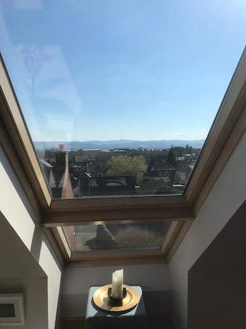 Spacious town centre flat with amazing views