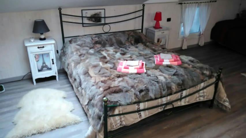 Accogliente suite mansardata - Saluzzo