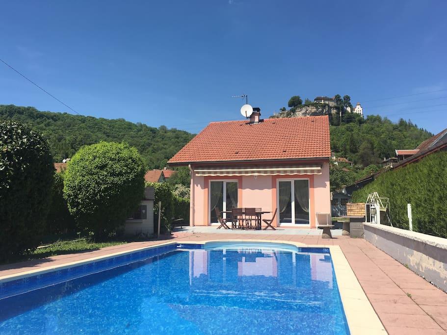 Chambre double dans maison avec piscine maisons louer for Piscine franche comte