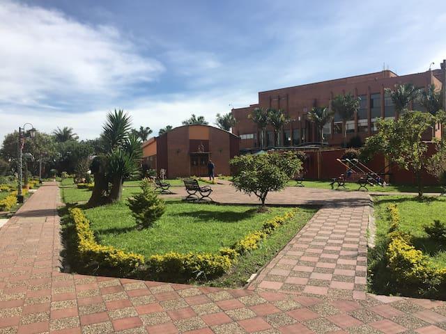 Cómodo, acogedor y excelente ubicación (Hab. #2) - Bogotá