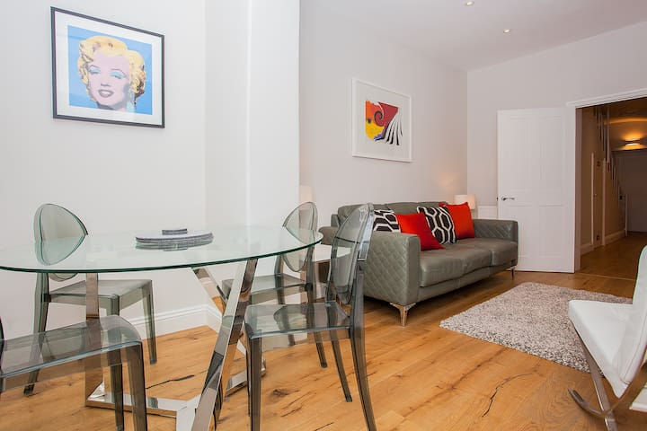 Stunning Central 2-Bed In The Heart Of London