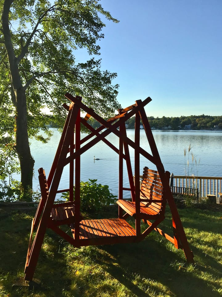 Comfy, Tranquil Two-Room Spacious Lakefront Suite!