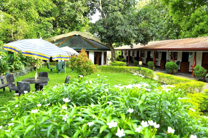 Happy Elephant Resort - Udawalawa - Bed & Breakfast